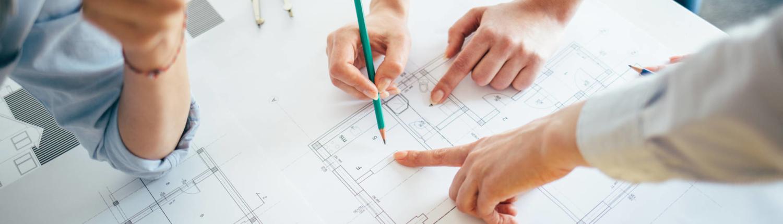Hausbau ist unsere Leidenschaft. Von anspruchsvollen, massiv gebaute Einfamilienhäusern über zweigeschossige klassische Stadthäuser, Villen mit Mansarddächern, Häusern im Bauhausstil, Doppelhaushälften bis hin zu exklusiven Ferienhäusern verwirklichen wir alles, was Sie sich wünschen.