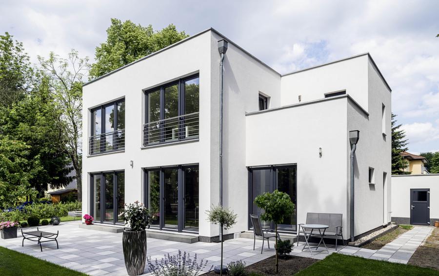 Bauhaus stil an der seepromenade arge haus hausbau for Haus bauen bauhaus