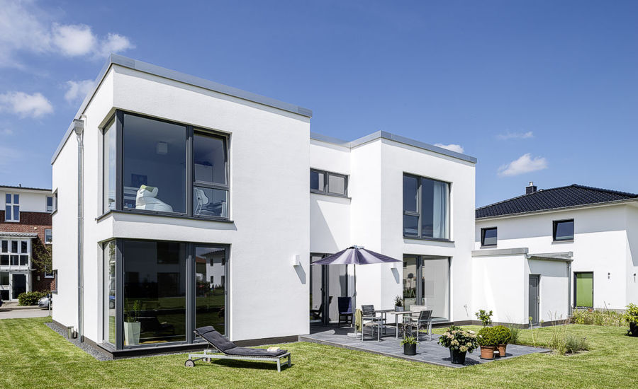Moderne Einfamilienhäuser im Bauhaus-Stil der Firma ARGE-HAUS.