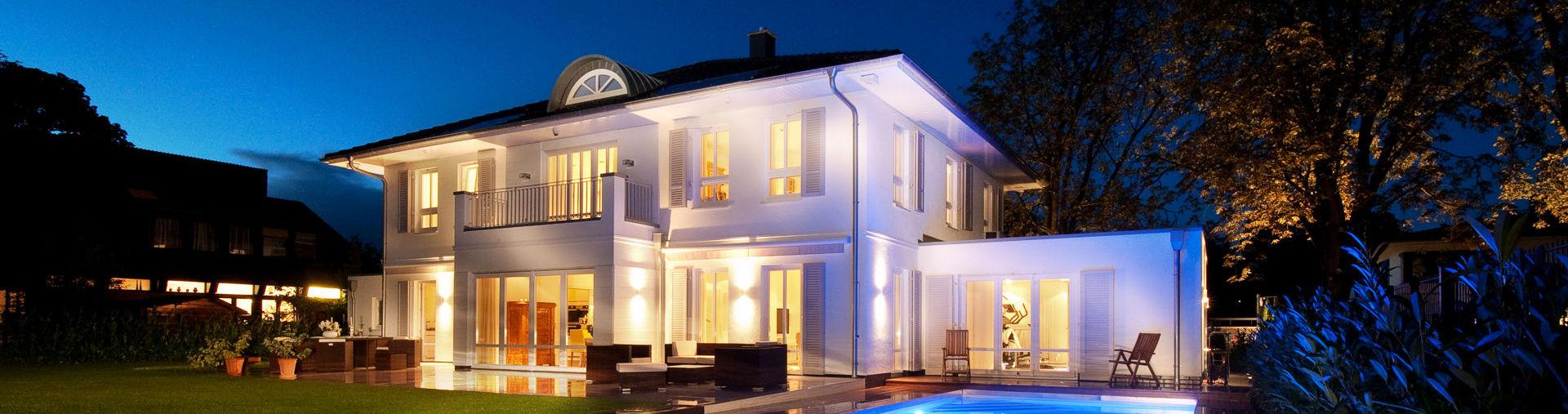 Seit über 35 Jahren steht der Name ARGE-HAUS Hausbau für Massiv gebaute Einfamilienhäuser mit anspruchsvoller Architektur, individuell, vielfältig und innovativ.