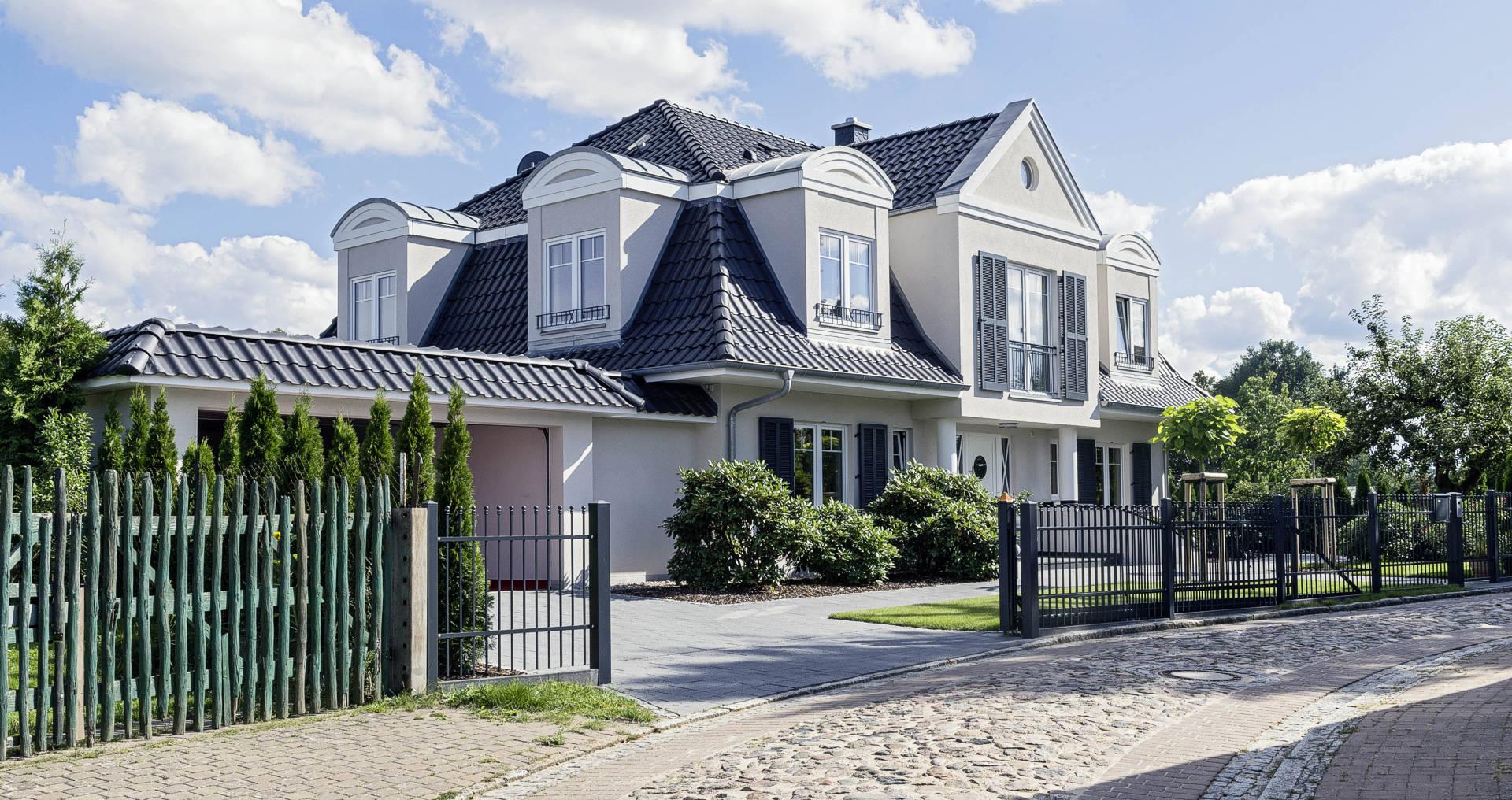 massivhaus schl sselfertig gebaut arge haus hausbau. Black Bedroom Furniture Sets. Home Design Ideas